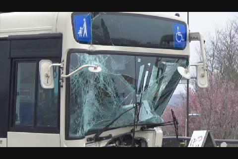 上岩木橋バス事故